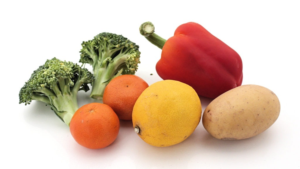 Vitamin C food sources: red pepper, potatoes, lemon, mandarins, broccoli